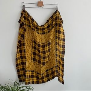 Vintage - Square Scarf - Black and Yellow
